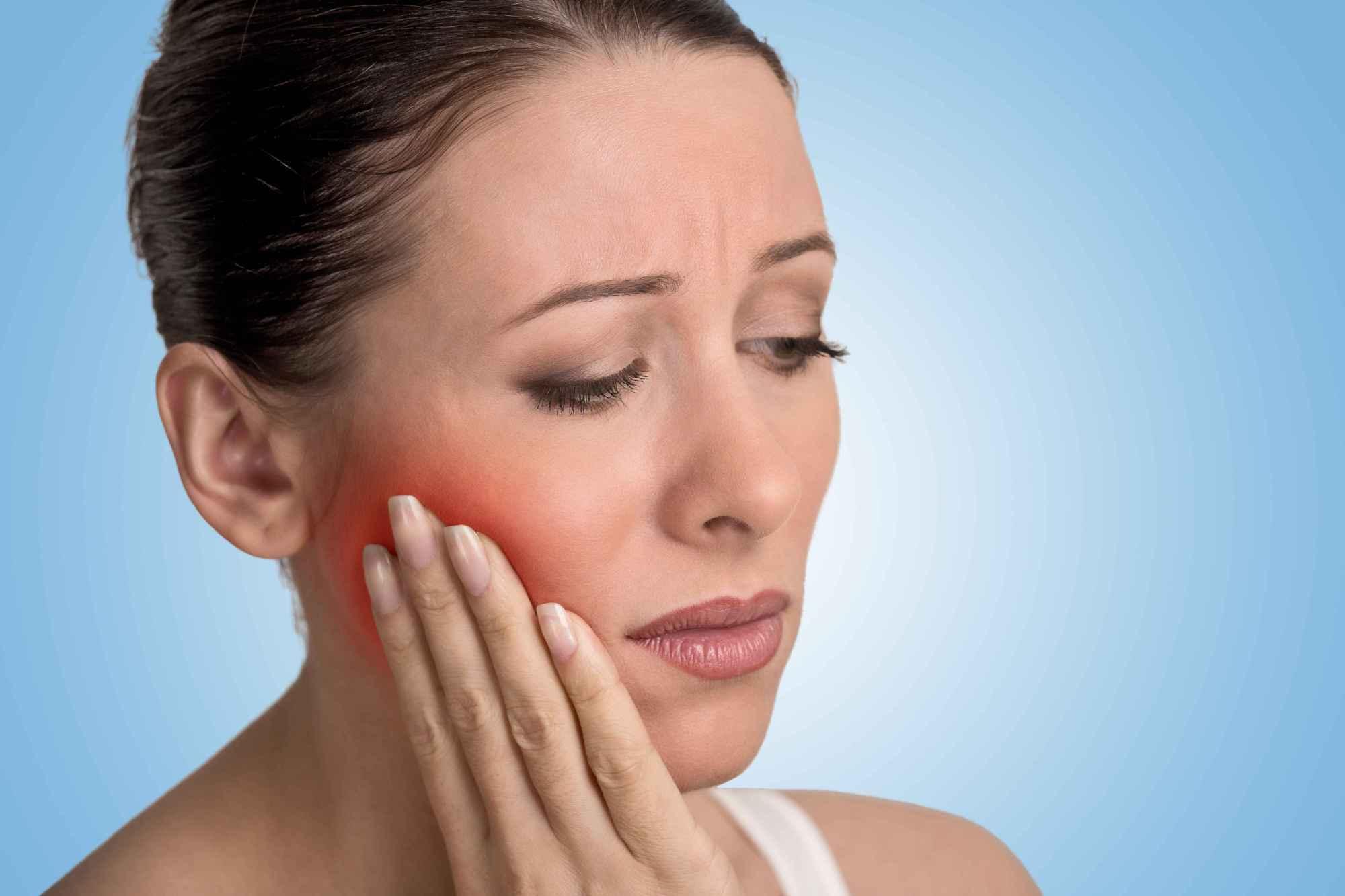 智齿后面的牙肉肿痛