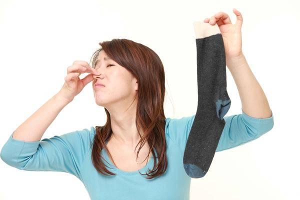 夏天被脚臭缠上,去除脚臭记住这5件事,有效缓解