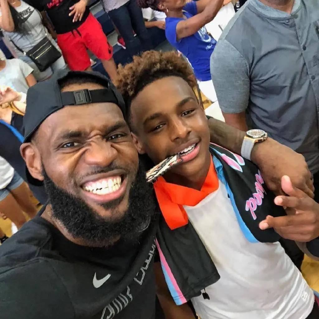 詹姆斯的大儿子布朗尼,或许进不了NBA