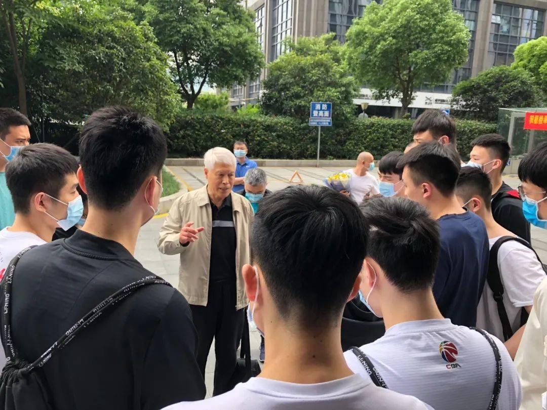 浙江男篮宣布蒋兴权三年合约结束 卸任俱乐部顾问