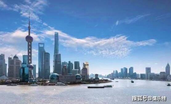 中国富豪带头放弃美国国籍撤资回国,美国损失千亿