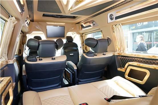 奔驰v260L改装商务车 2020定制款奔驰V级