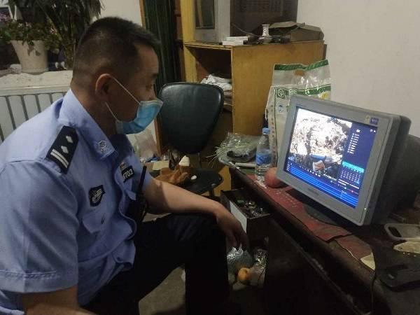 吉木乃县公安局对废旧物品收购点进行检查