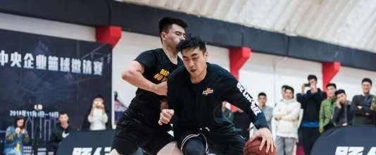 """""""路人王""""正在毁灭篮球这项运动?推崇单挑是否有利于中国篮球?"""
