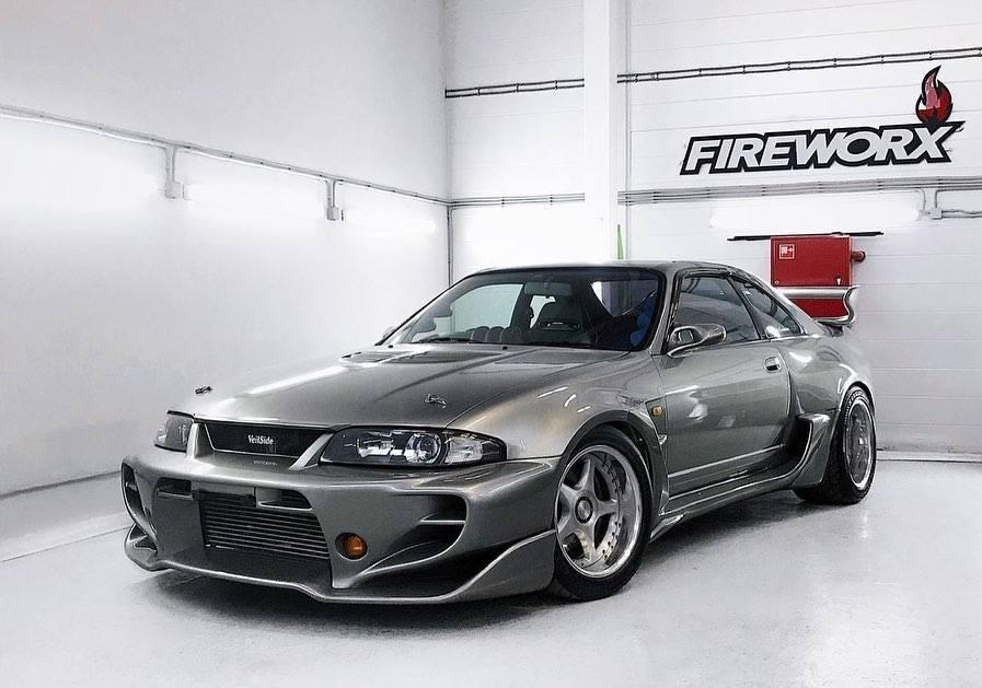 修复1995年日产Skyline GT-R R33
