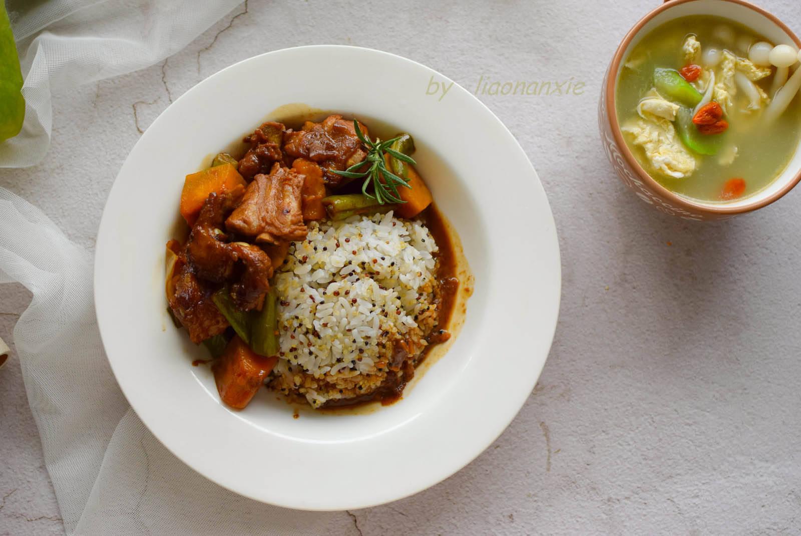 排骨饭,还是这样做最好吃,肉鲜饭香,孩子要吃2盘才够
