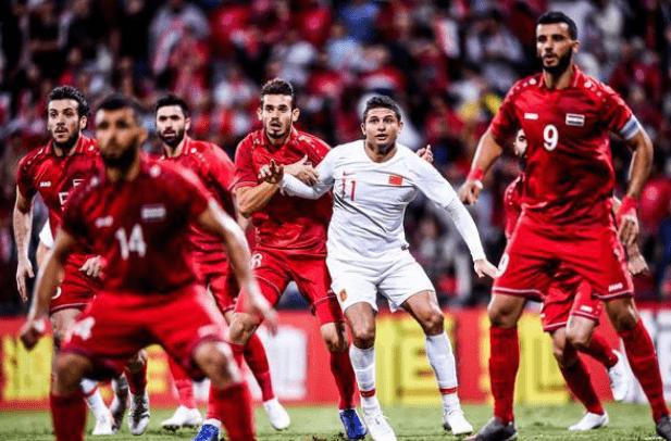 夜里二十一点,中国男足传出噩耗:世界杯预选赛敌人也在规化图,主教练去德甲联赛挖墙脚