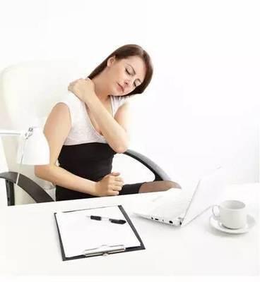 躺在床上也能练瑜伽体式,舒缓压力,越练越年轻