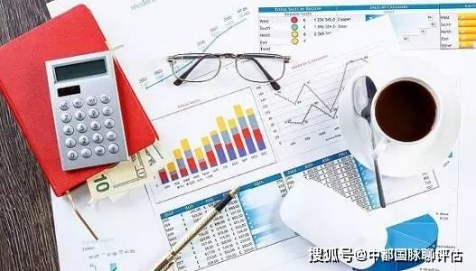 一般尺度是从法律角度和产权角度界定企