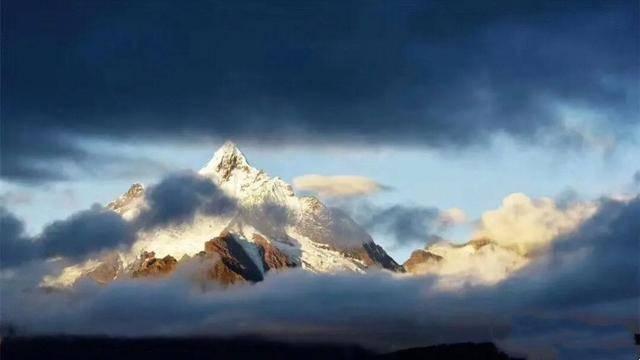 """西藏然烏湖——""""尸體堆積在一起的湖"""""""