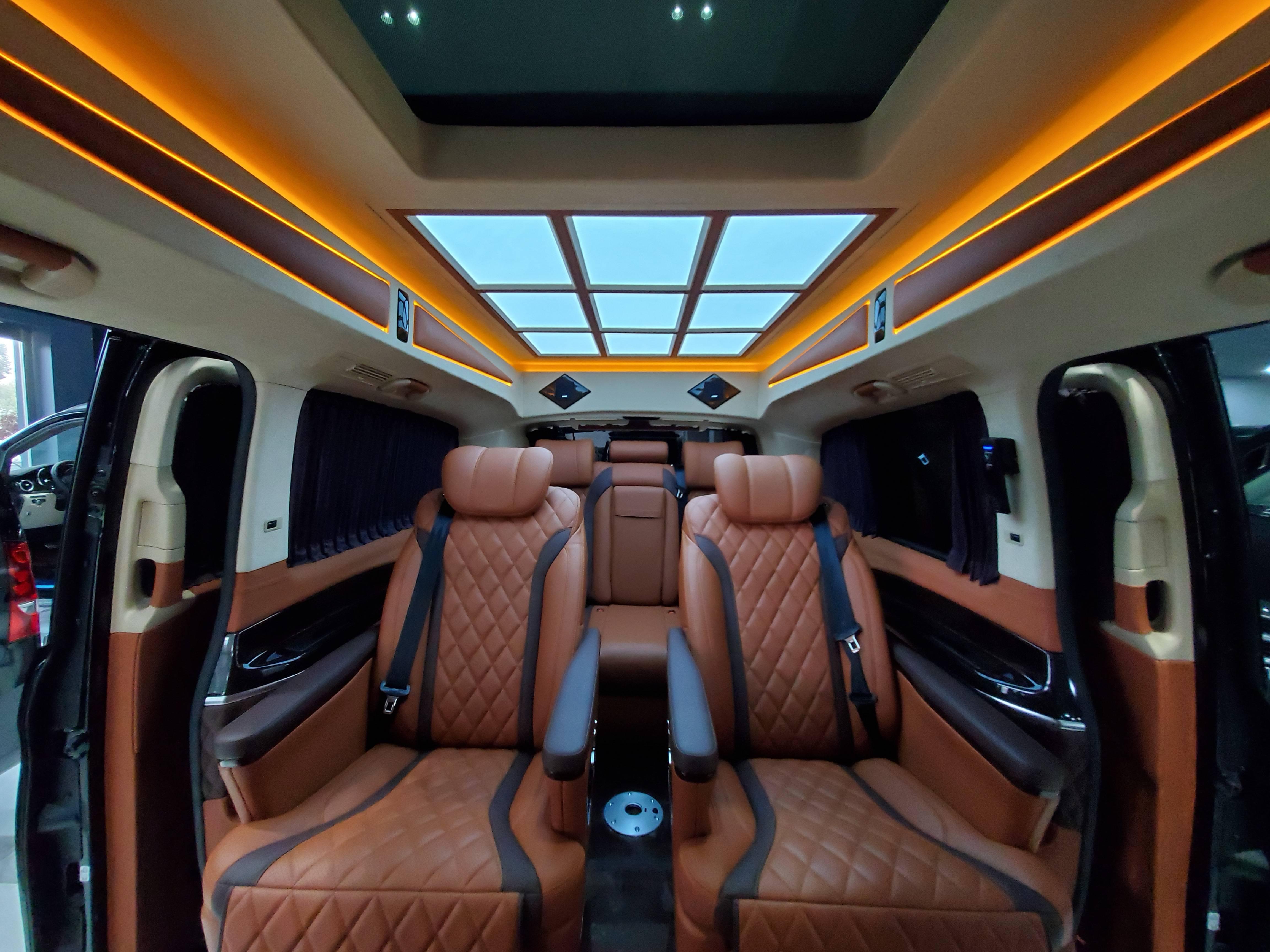 豪华奔驰V级商务车 高端订制百万级别无对手