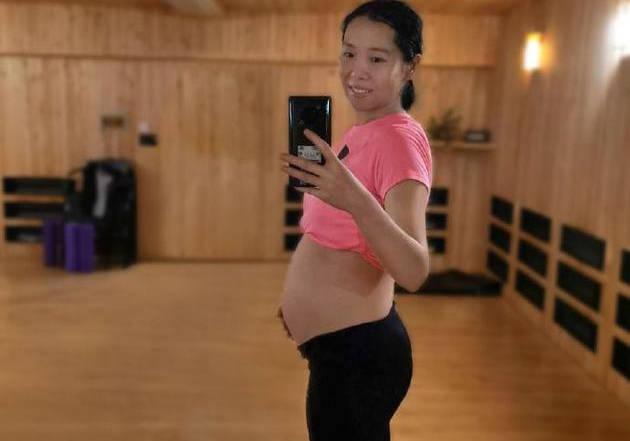 1+1=4!乒乓球奥运冠军李晓霞晒孕肚照宣布怀二胎