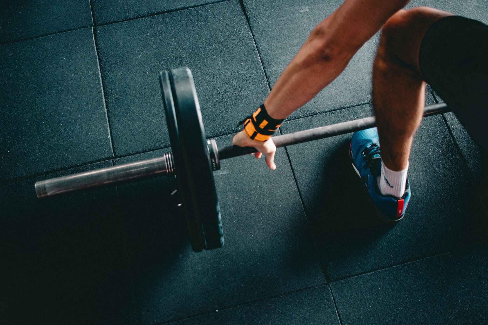 新手健身,先增肌还是先减脂,先有氧还是先力量?_训练 高级健身 第1张