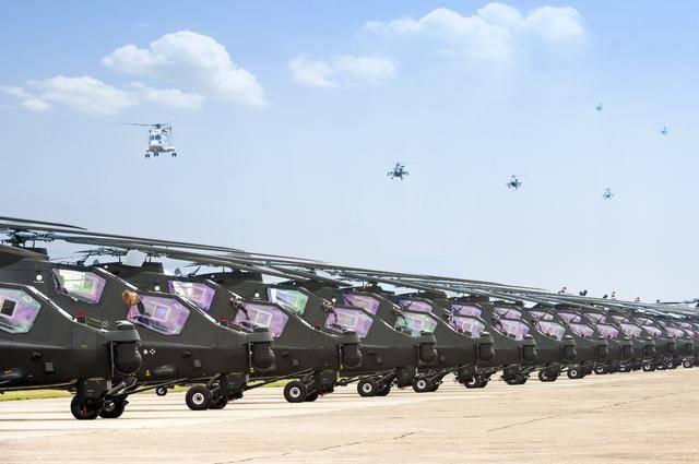 """""""亮剑""""昆仑之巅!大批武直-10飞上高原,打坦克不费劲儿"""