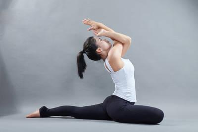 瘦腿+翘臀才迷人,7个经典瑜伽动作,助你快速瘦下半身_身材 知识百科 第1张