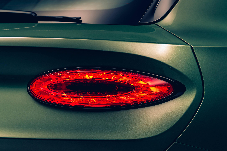 宾利新添越 重新定义超豪华SUV
