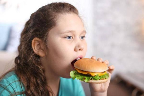 对胃肠不好?医生提醒:吃饭这个习惯若不改,真的会招惹疾病来