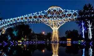 桥梁亮化   夜幕中塔比亚特桥灯光