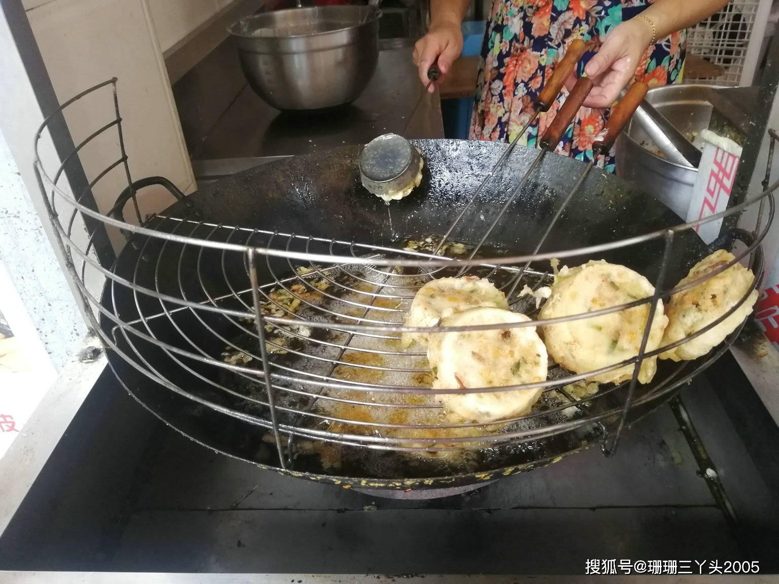 """广东潮州""""最名不符实""""小吃:名字""""猪脚圈"""",为啥吃不到猪脚?"""