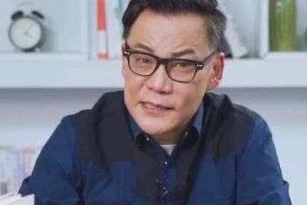 """昔日高考状元李国庆被警察""""带走"""",还写了篇高考作文"""