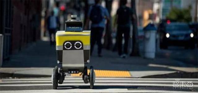 """原创             自动送货机器人疫情间操作新方式,实现""""居家""""操作新常态"""