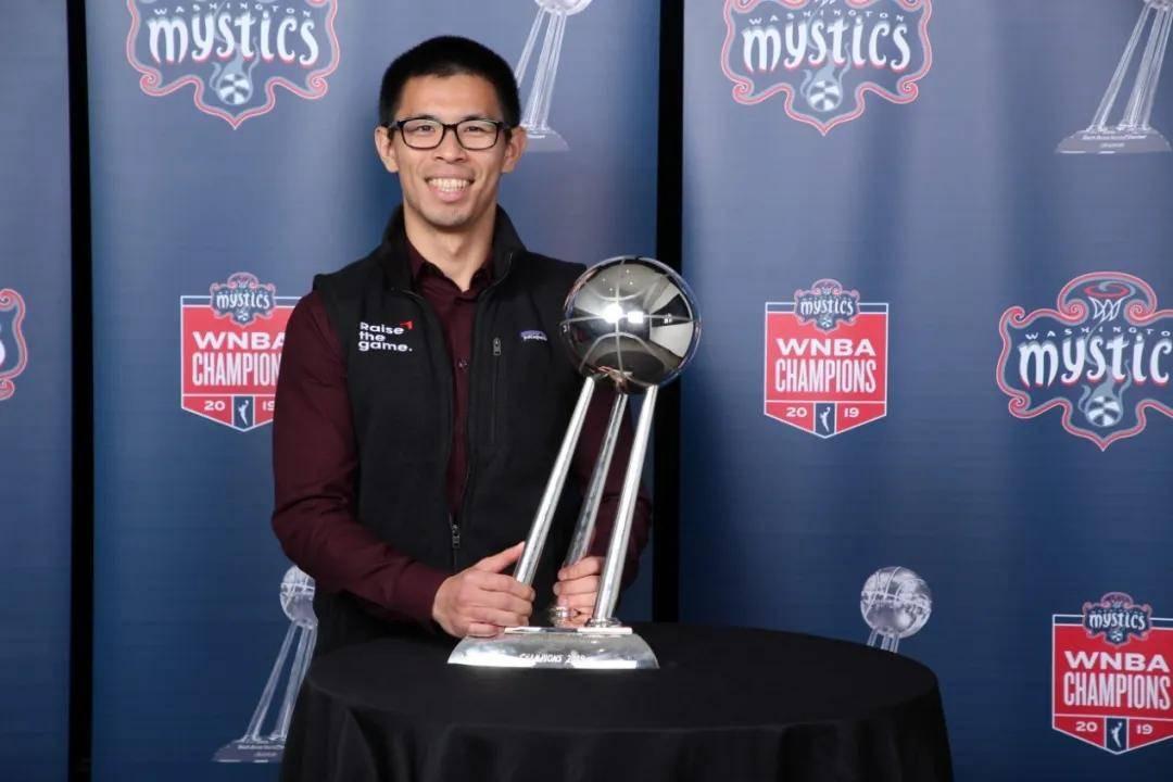 从台北到华盛顿,这个热爱篮球的男孩终于圆梦NBA