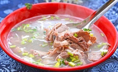 """我国哪里的羊汤最好喝?这""""三地""""比较出名,吃法各有千秋"""