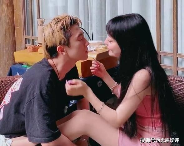 郭美美的微博地址_公布恋情才过去16天,郭美美宣布与男友分手,不能找比自己小的 ...