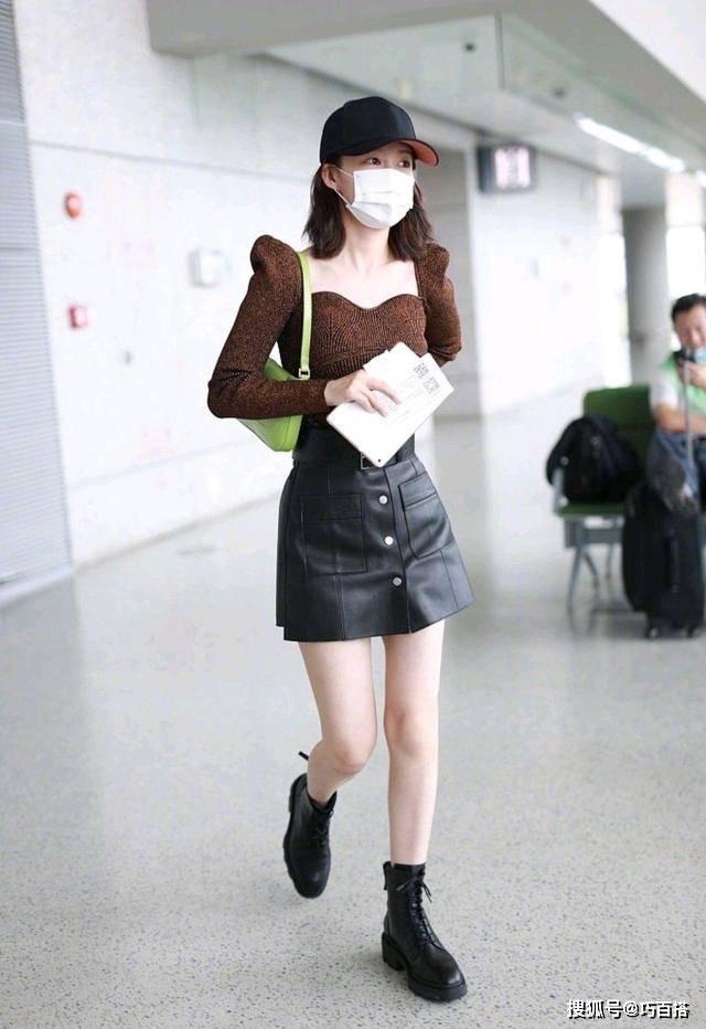 原创             李沁堪称人间尤物!走机场不忘秀身材,细腰长腿太惹眼