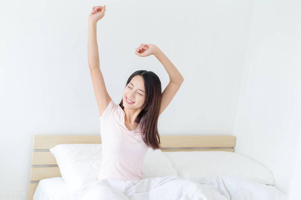 """早起后坚持4个""""要"""",让身体持续燃脂,你会瘦得更快!"""