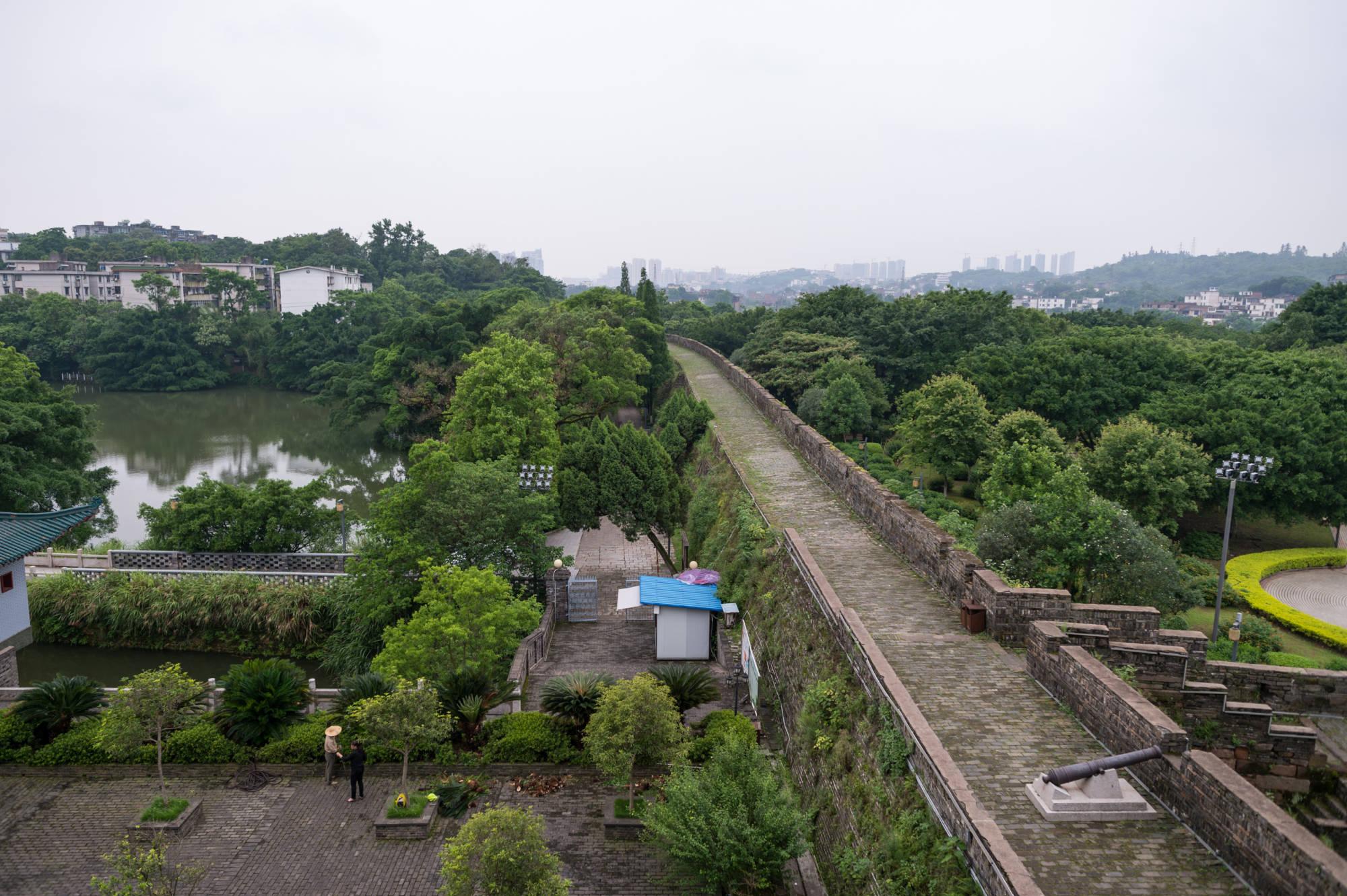 江西贛州有一大奇觀,大橋漂浮在江面上,至今已有800多年歷史