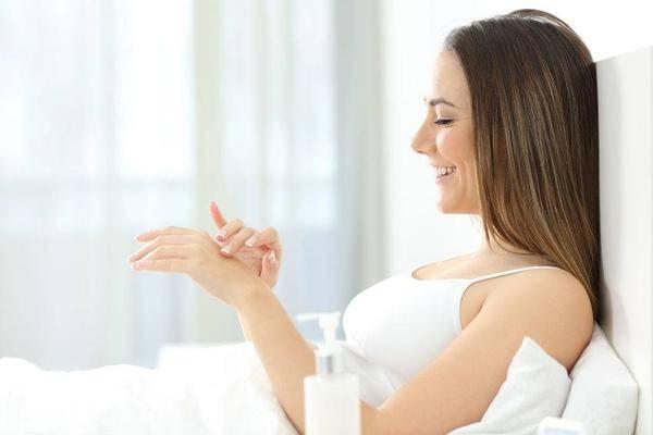 """葡萄""""碰上""""它,堪比美白剂,女性每周吃一次,面膜都省了!"""