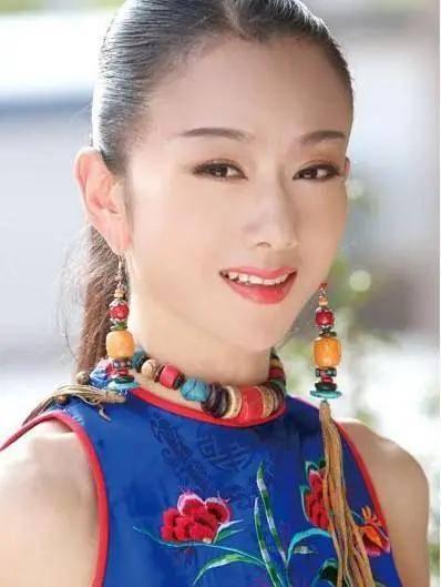 """当红 原创同是灵魂舞者,""""千手观音""""当红时嫁人生子,杨丽萍离婚膝下无子"""