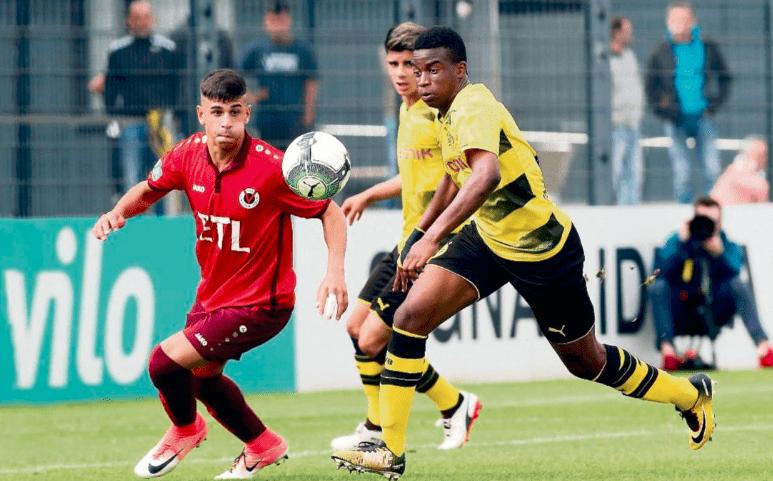 法国U19最顶尖攻击手!十三岁蜚声海外,16岁就需要来踢德甲联赛了