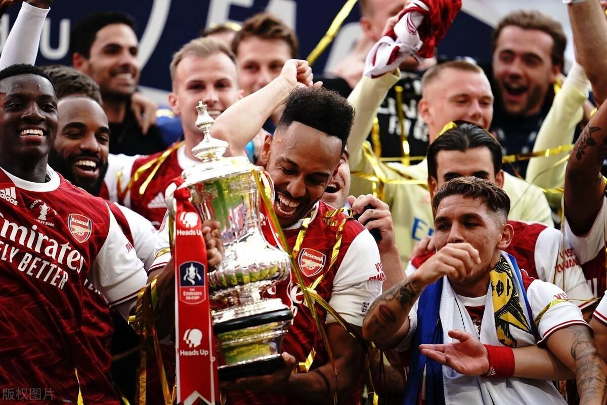 本赛季英格兰足总杯决赛,阿森纳2-1打败切尔西夺得冠军