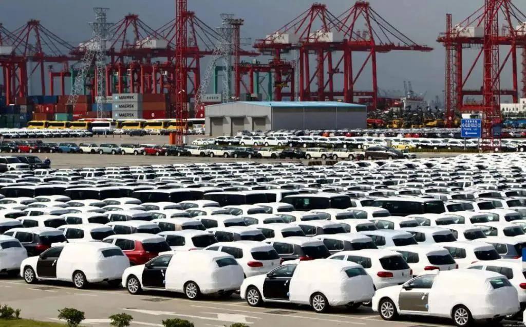 《十多家大型车企出现亏损,这家半年损失600亿》