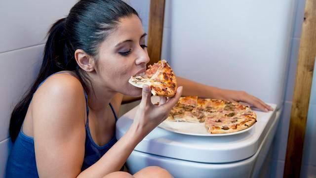 除了饮食习惯会影响胃部康健情绪也是