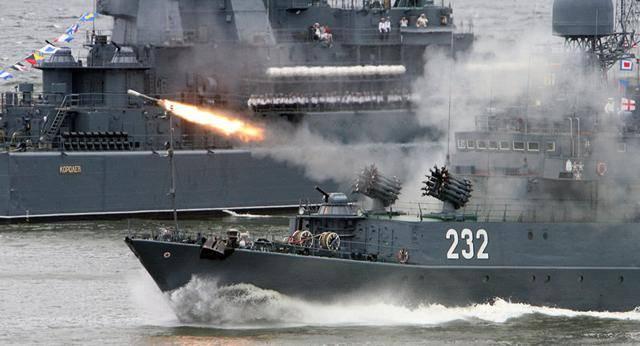 数十艘战舰集结,核潜艇逼近美国,随时荡平华盛顿,美:别动手