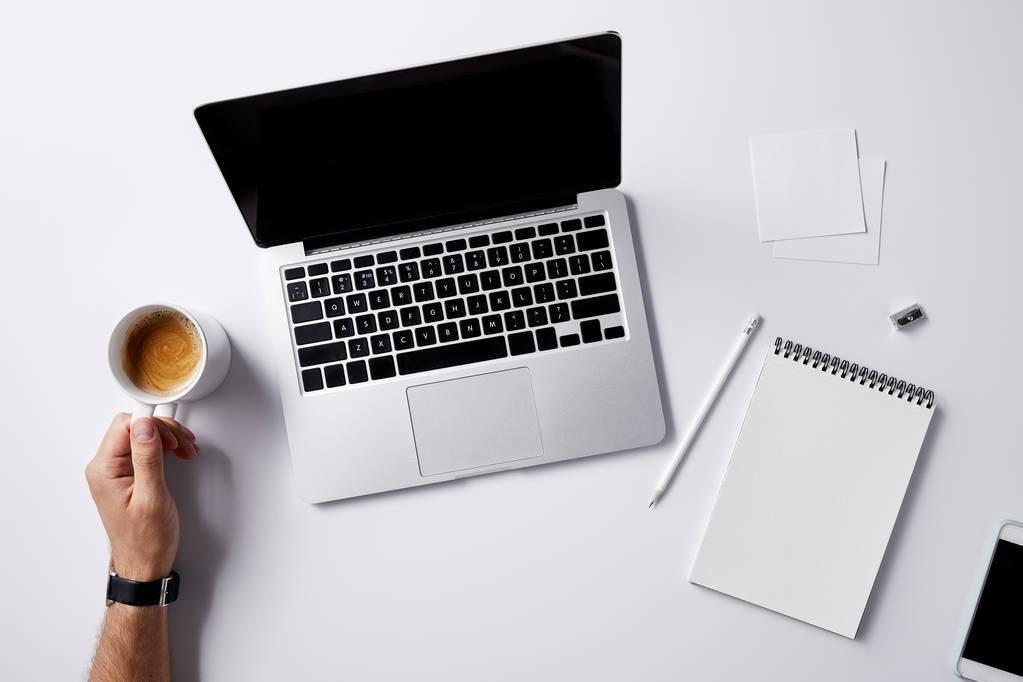 手机网站建设网页设计布局的几大准则_布局-企业网站的基本构成要素