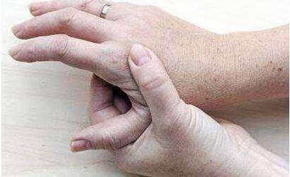 过敏性皮炎的防治:从衣食住行开始