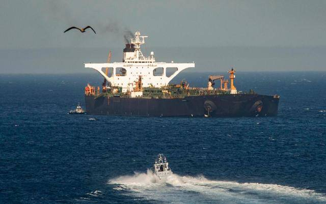 委内瑞拉汽油短缺,美国只是威胁制裁,就有四艘油轮离开伊朗船队