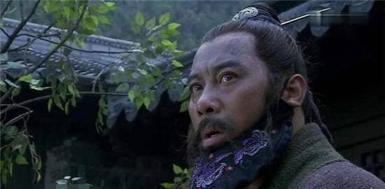 不该上梁山的有三个人 两个人活得不如上山前 一个人嫁给了一个丑人 失去了身体!