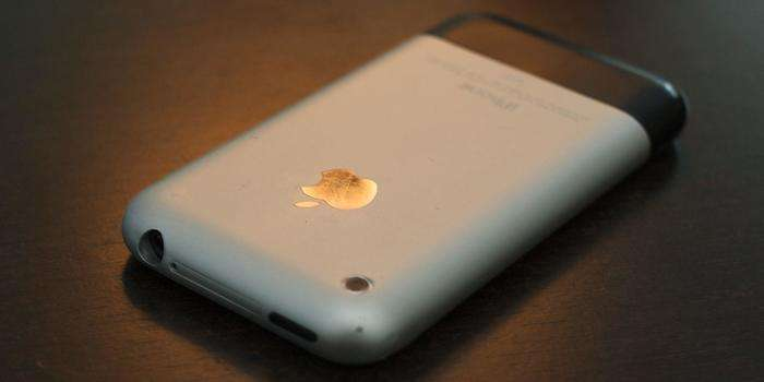 """【苹果前任 CEO:2030 年的 iPhone 的功能将比初代设备强大 """"十亿倍""""】"""