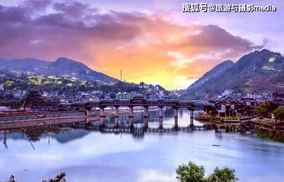 重庆最繁华的古镇,屹立4000年丝毫未变,亚洲最长廊桥也坐落于此!