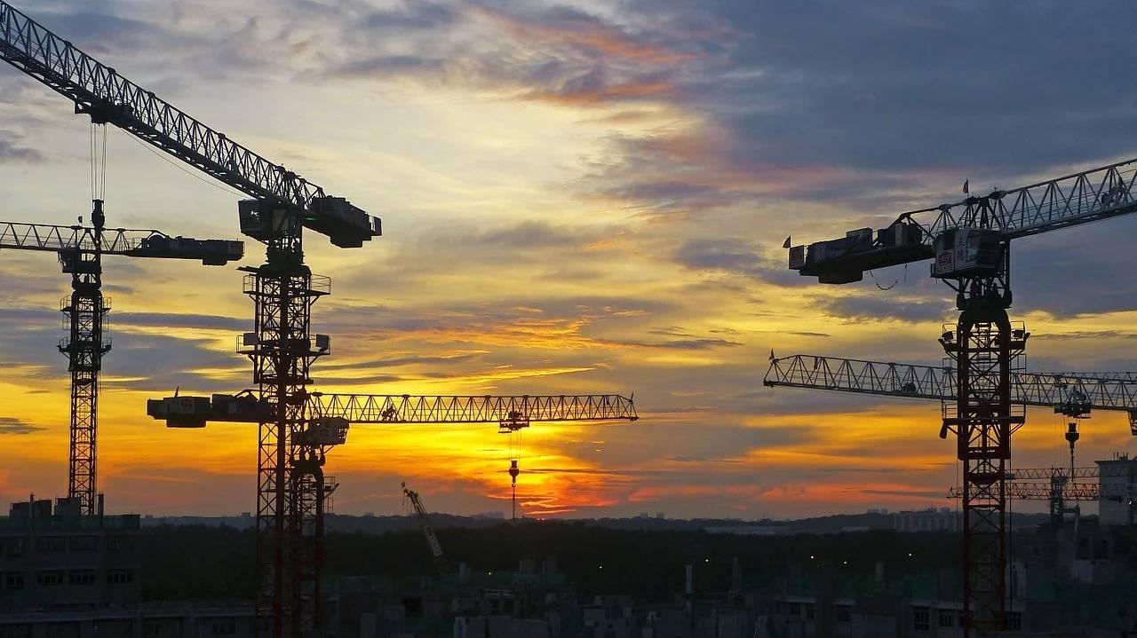 原创房企数万亿债务风险被关注?最赚钱的房地产企业要缺钱了吗?