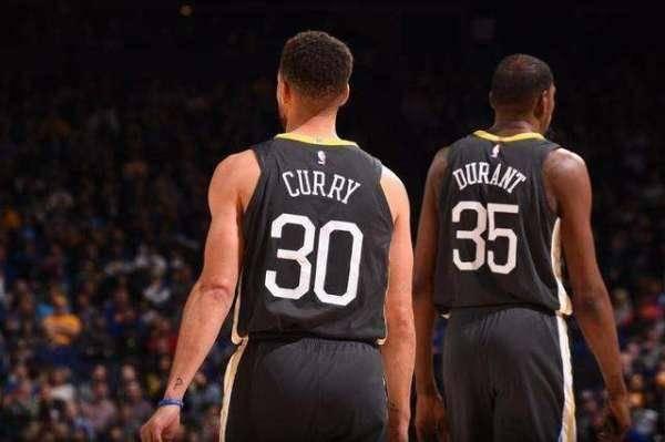 NBA能够跻身为美国四大联赛之一,这和中国市场庞大有很大的关系。若是问中国和美国有哪些比较出名的比赛