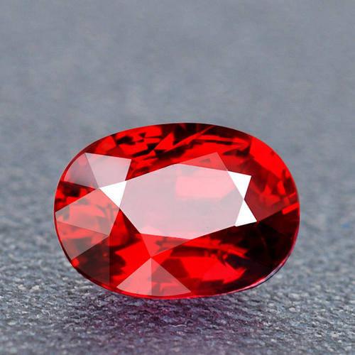 为什么手表机芯中的钻石要用红宝石呢?