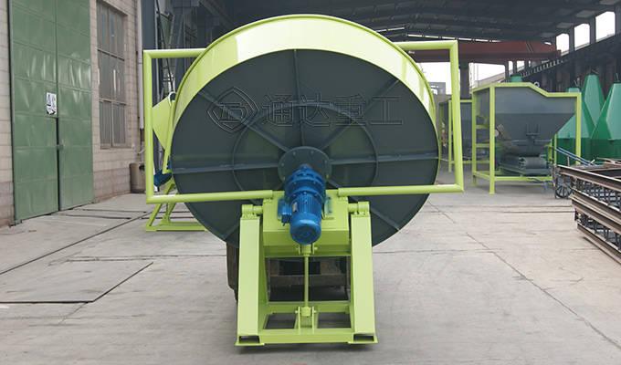 有机肥设备厂家教您怎么提高圆盘造粒机的成球率?