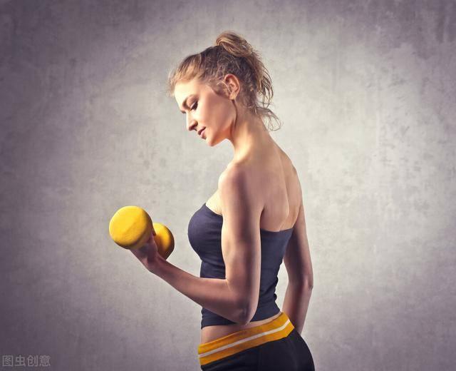 如何高效练出麒麟臂?5个训练技巧,帮你强化二头肌