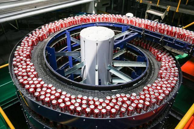 原创             可口可乐重组公司架构:大中华区单列,但派来印度人挂帅